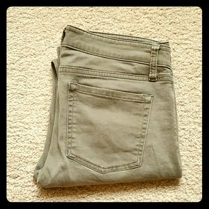 Gap olive jeans